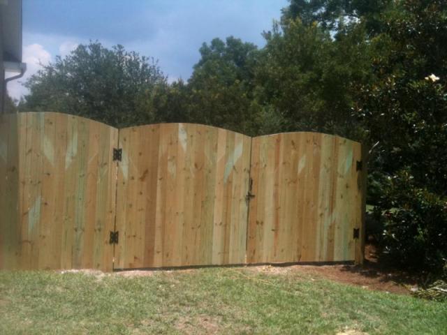 Residential Gatlin Fence